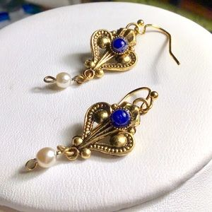 ❇️VINTAGE Gold and Cobalt Blue Earrings